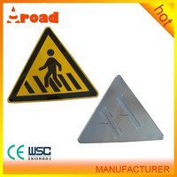 road reflective triangle sign