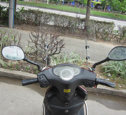 2.5mm thick Motorcycle windproof glass , windshield for motorcycle