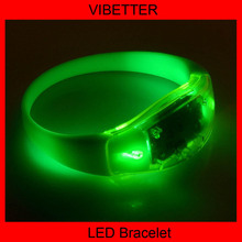Party concert gift flashing remote controlled led bracelet led slap bracelet