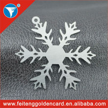 High quality OEM custom shapes cut out stainless steel metal snowflake ornament for Christmas decoration