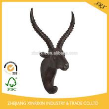 Negro en dificultades/acabado de color marrón gacela características de diseño de una gacela gancho gancho de la cabeza