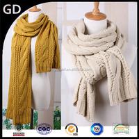 GDKK0017 Hot design woolen yarn twist of knitting warm lady scarf christmas