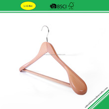 LM9701A Luxury Wide Shoulder Wooden Coat Hanger With Non Slip Bar