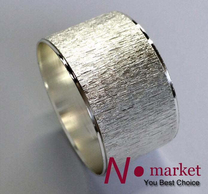 round silver line napkin ring.jpg