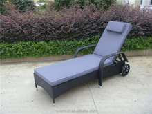 Wicker/Rattan Sunbed Outdoor Furniture Sun Lounger With Wheels