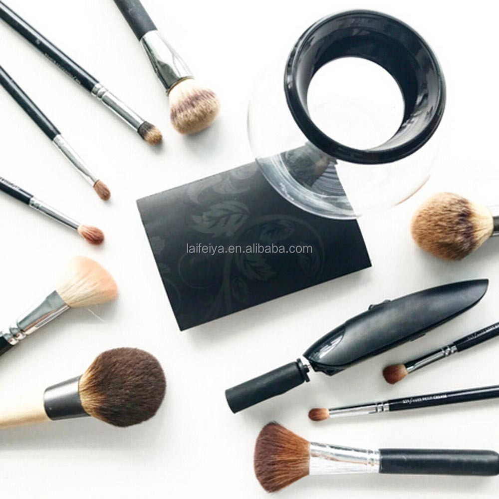 Automatic makeup brush cleaner