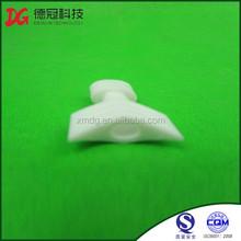 Venta al por mayor barato tornillo de plástico boquilla de plástico pitorro