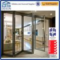 Moderno diseño de australia estándar doble acristalamiento de aluminio plegable de la puerta