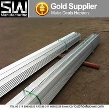 Q235 série galvanizado ferro de ângulo de aço igual com buracos