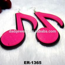 produzione di zucchero di colore penzolare orecchini acrilico trasparente orecchino nota musicale