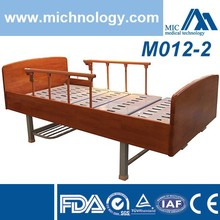 Good quality double crank manual hospital bed