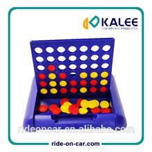 juguete de los niños 4 en una línea educativo bingo juego de ajedrez