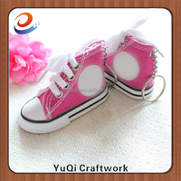 baby shoes converse keychain