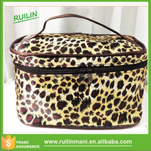 Leopard Design Hanging Cosmetic Bag With Mirror For Women