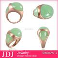 Joyería de moda rosa chapado 925 anillos de plata con syn. Jade verde
