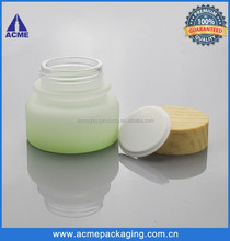 2015 new green 50g cosmetic jars glass with wooden lid