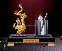 2014 new design metal dragon on ctystal base/ pen holder