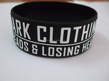 coustom embossing / doessing silicone wristband