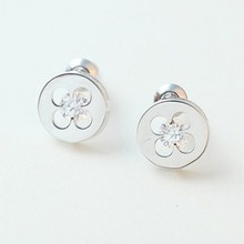 2015 simple and easy newest compact design earrings