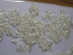 African Guipure Lace Fabric/ Embroidery Flower Hot Sale Long Good Quality Chiffon Beaded Lace Appliqued/dubai laces