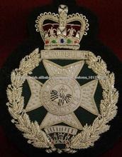 Metallic Mano insignia del Ejército bordado