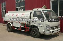 4 x 2 4.5m3 de camiones de aceite Forland Fuel camión