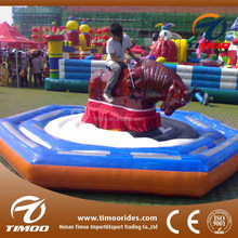 hot sale alibaba fr amusement inflatable red bull ride for both kids and adults