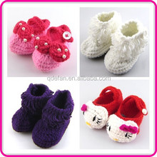 2015 latest design hand crochet baby shoes
