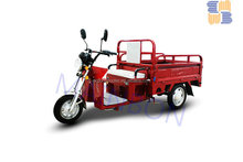 2015 Popular hydraulic cargo tricycle cabin cargo tricycle three wheeler
