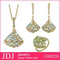 la fábrica de china de varios diseños están disponibles de moda mujer de dubai de la decoración de la joyería de oro