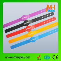 Rfid Silicone Wristbands/ Shenzhen Electronic Bracelets/Rfid Bracelet fashion smart bracelet for swiming pool