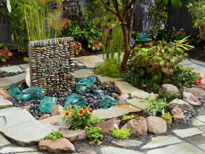 Landscaping colored green large glass rocks for garden for Different color rocks for landscaping