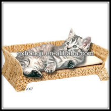 Strong and durable water hyacinth pet bed