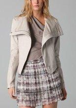 El más reciente 2014-2015 desian de mujer de cuero chaqueta con dobladillo asimétrico de color blanco para mujer de moda