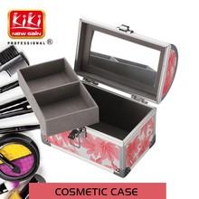 beauty accessories. Beauty Case. cosmetic case. aluminium makeup case
