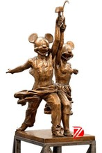 Lover Famous bronze Mikey mouse cartoon statues