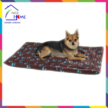 Hot sell new pawprint thermal pet mat , pet pad