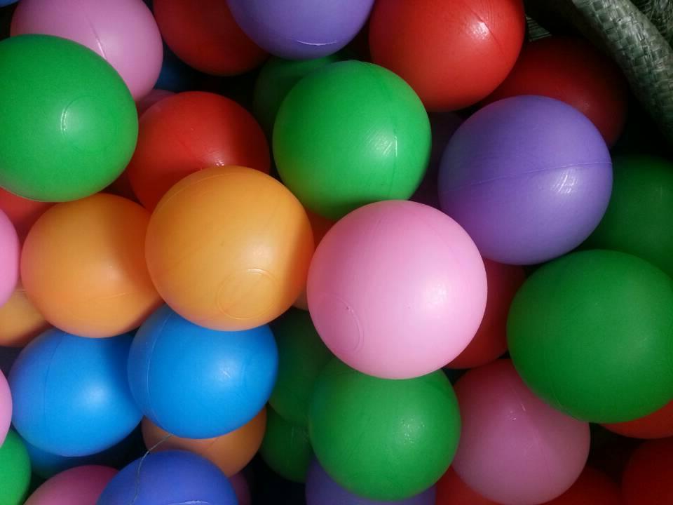 Hot vente pas cher enfants boule en plastique pour piscine - Balle pour piscine a balle ...