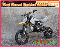 QWMOTO CE Cool Design 125cc motor bike for sale with manual clutch