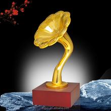Selling Customized polyresin flower awards