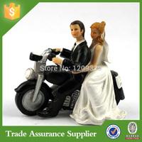 Wedding Decoration Resin Comical Couple Figure Funny Motorcycle Wedding Couple Cake Topper