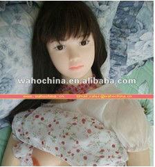 Agradable de la muchacha de silicona muñeca del sexo