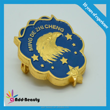 Factory custom high quality copper/iron stamped soft enamel pin badge made in China lapel pin box