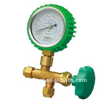 Single gauge manifold for R22,R134a and shock proof gauge cover