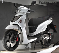 2015 NEW SCOOTER,GAS POWER