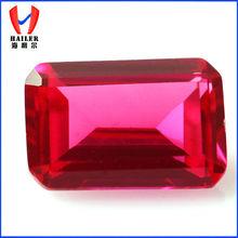 Baguette de la forma de talla esmeralda creadas en laboratorio de rubíes rojo