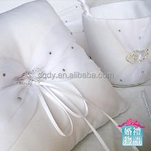 2015 Wedding favors ring pillow elegant ring pillow ring bearer pillow love heart style rhinestone wedding decoration