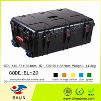BL-20 plastic carrying case with compartments