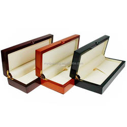 Select material engraved wooden gift pen box with good price