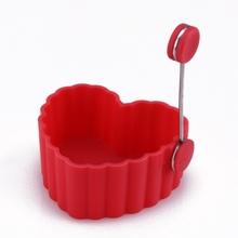 elegante molde de pastel de silicona en forma de corazón rojo norma europa con mango